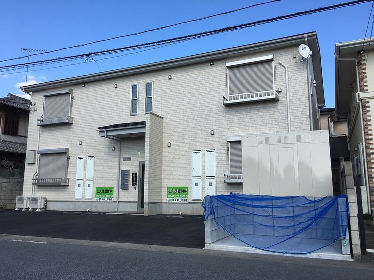 ☆東松山市松葉町☆2019.9完成の新築物件です♪スーパーや薬局・ディスカウントストアも近くお買い物に困りません♪インターネット無料!