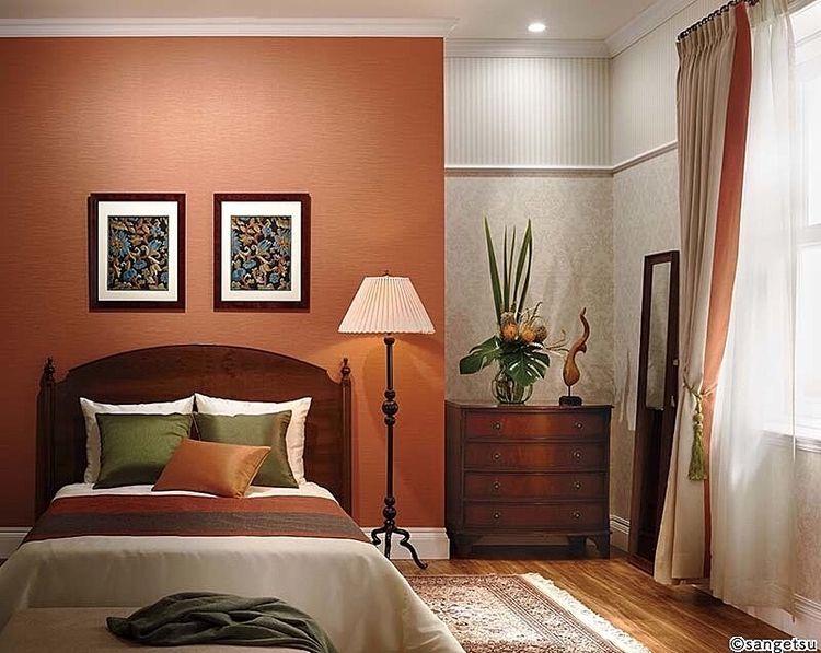 暖色系のクロスを使うと優しいイメージがあり温かみのある雰囲気のお部屋へとチェンジ